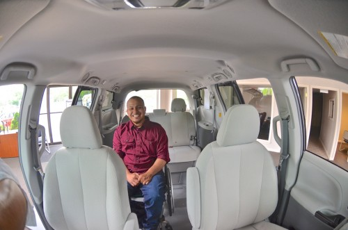 2013 Toyota Sienna  DS292397 Left Side View - Elias
