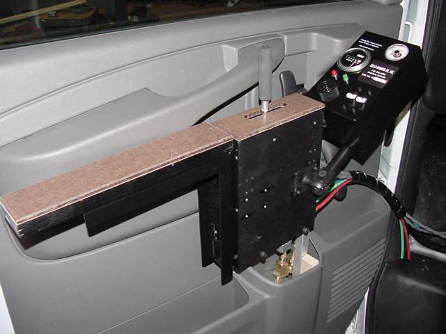 Pnuematic door mounting