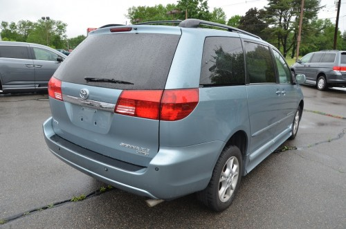 2005 Toyota Sienna XLE Limited Braun Entervan 5S383443 Left Rear