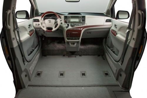 VMi New England Toyota Sienna Northstar