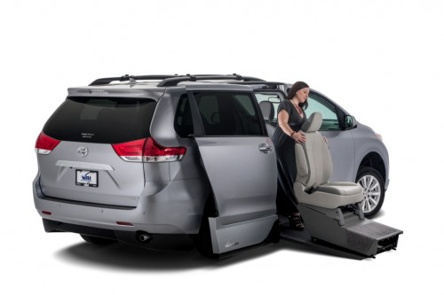 VMiNewEngland Toyota Sienna Northstar wheelchair van removable seat
