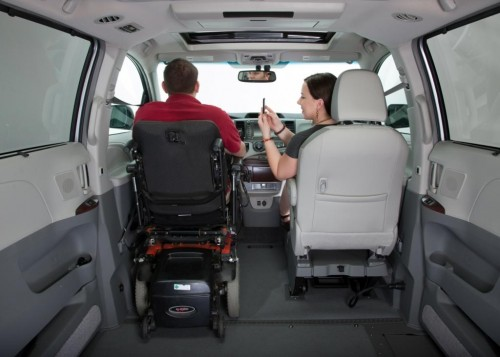 VMiNewEngland Toyota Sienna Northstar wheelchair van driver