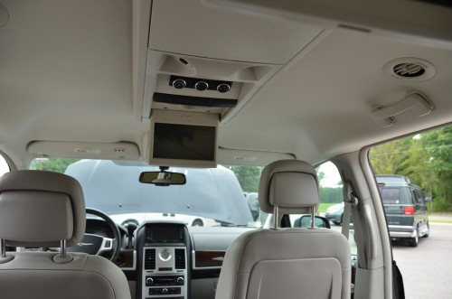 2010 Chrysler T&C No Conversion 2A4RR8DX4AR421854 dvd player